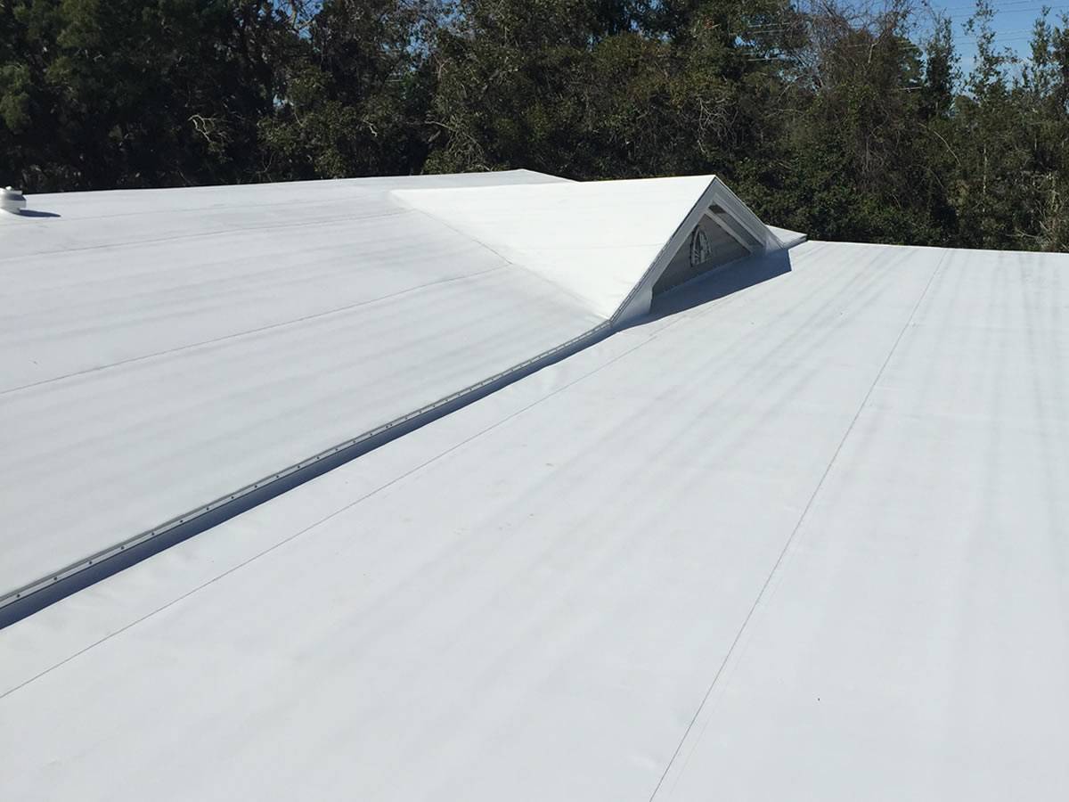 Mobile home roof replacement project in Florida